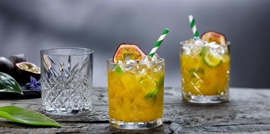 TIMELESS - comod ,util , festiv! PASABAHCE - Lider in producerea veselei din sticlă.