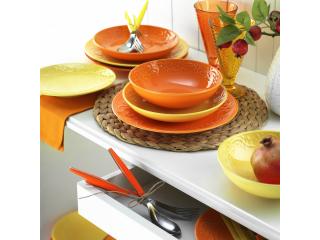 Salatiere și boluri din ceramică